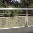 Hàng rào lưới đột lỗ